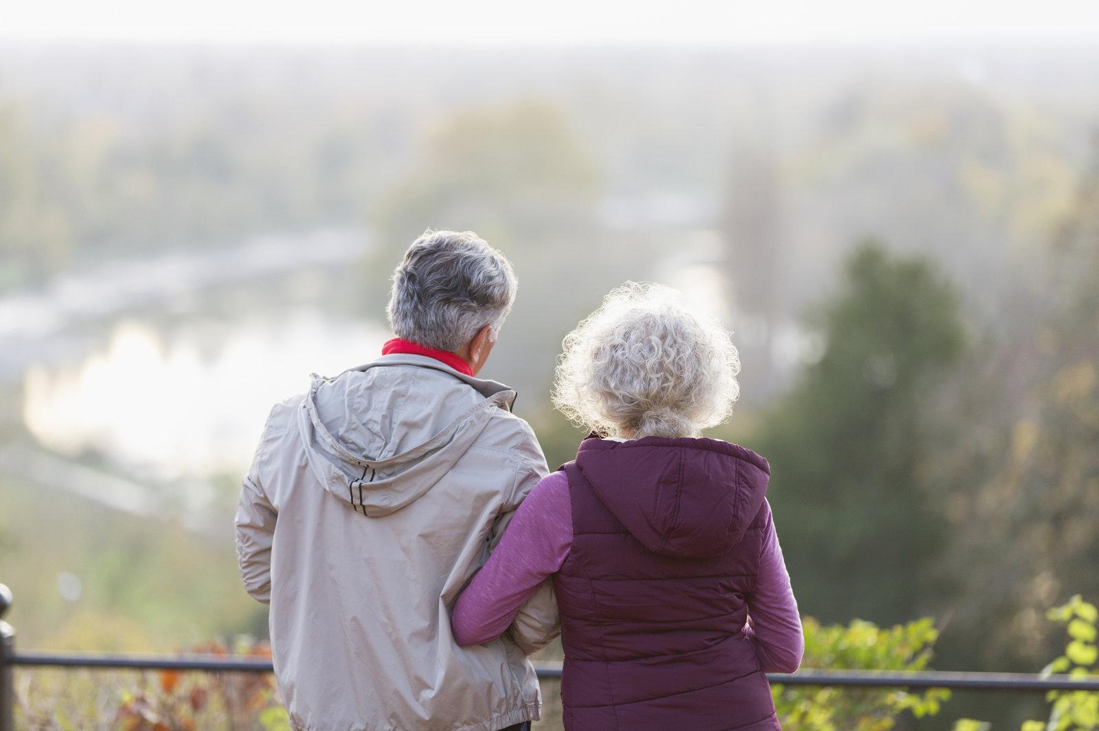 Researchers Explore Why Women's Alzheimer's Risk Is Higher Than Men's