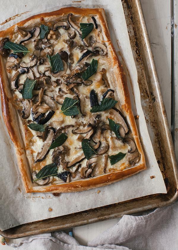 Make Three-Cheese Mixed Mushroom Tart